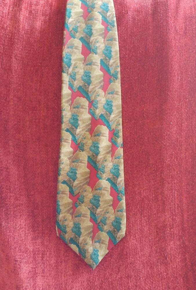 Tie Front