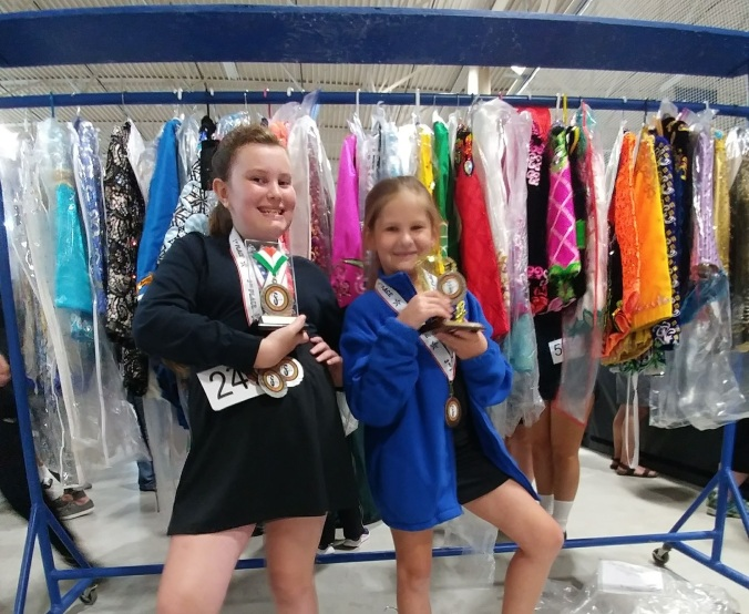 Kyla & Eirin Solo Dress Rack