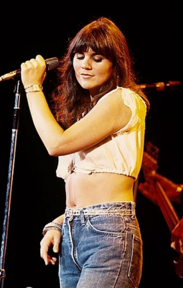 The First Lady of Rock: 25 Sexy Photos of a Young Linda Ronstadt on Stage ~  Vintage Everyday