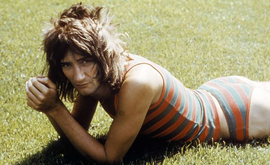 Da Ya Think I'm Sexy? 30 Portraits of Rod Stewart With His Famous Mullet  Hairstyle in the 1970s and Early 1980s | Vintage News Daily